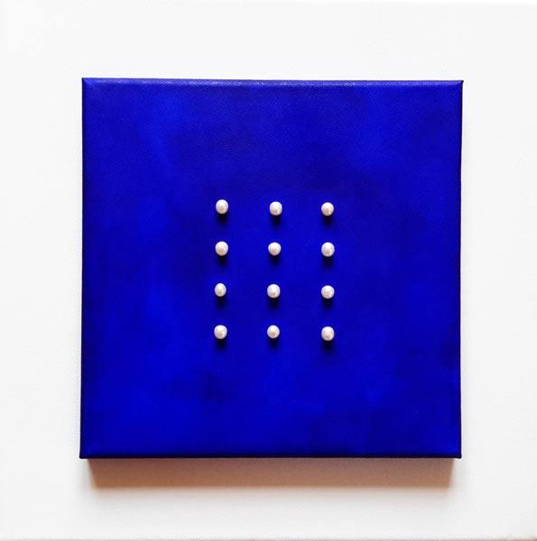 Este Galashire - 12 Perlen auf Blau